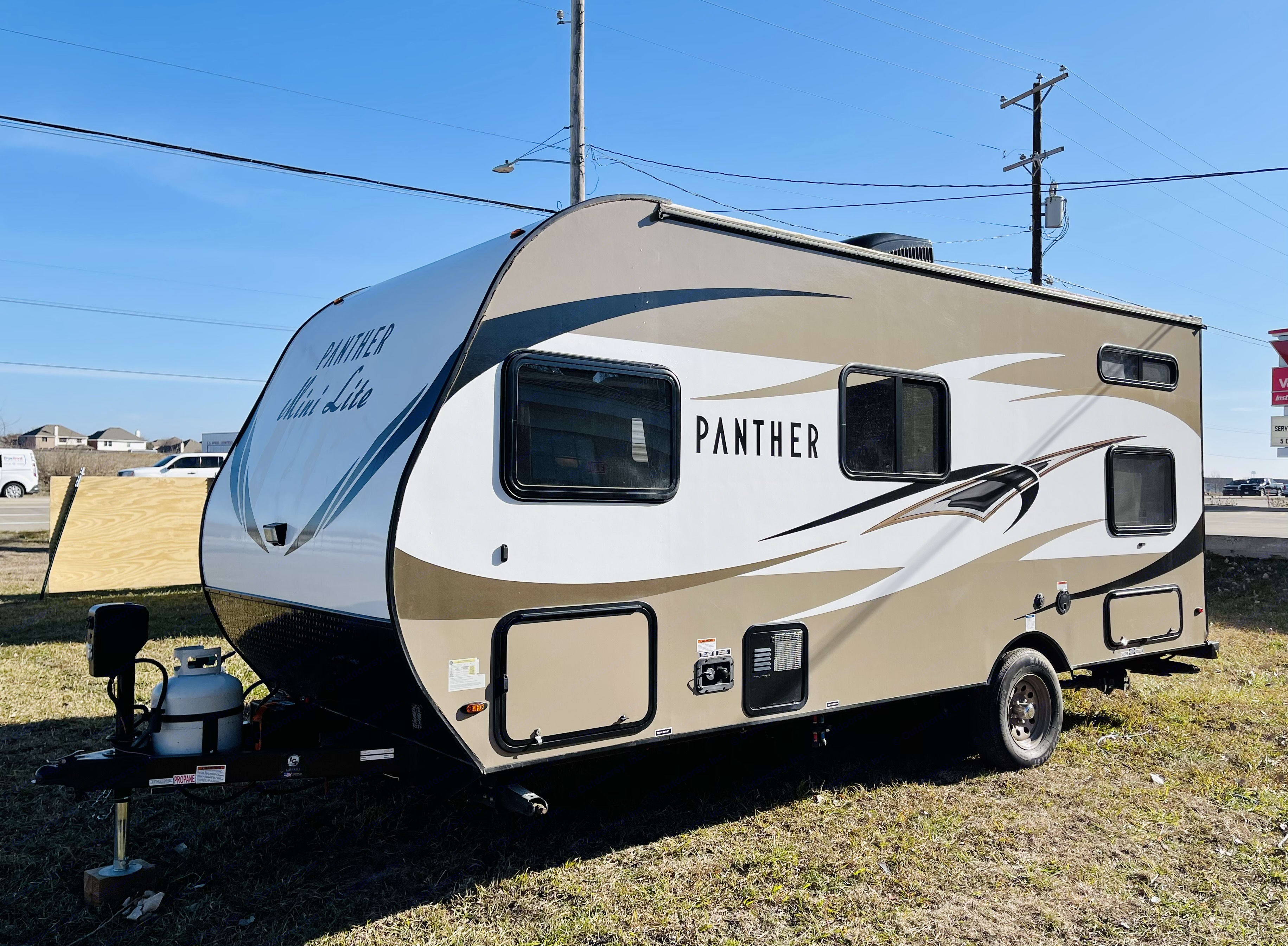 Pacific Coachworks Panther 2019