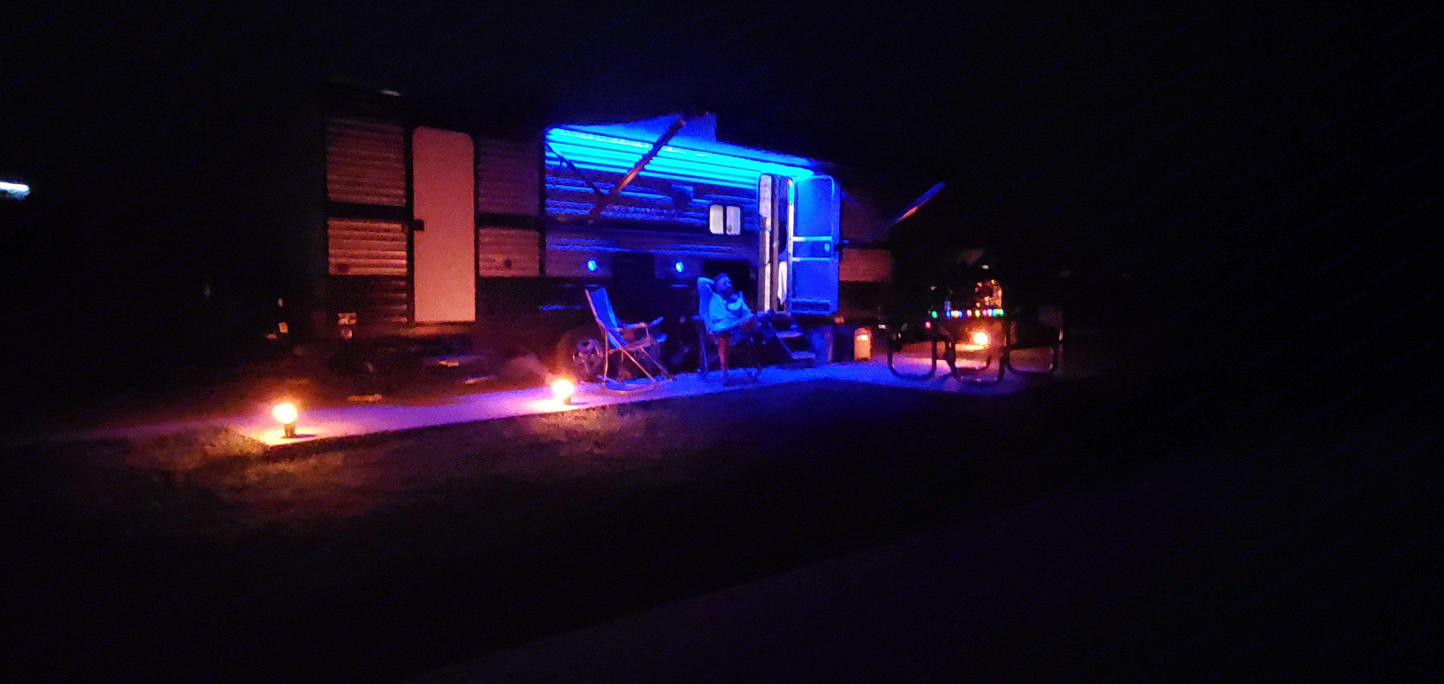Enjoy the outdoors in comfort and style. Our trailer comes with tiki torches and outdoor lighting to make the outdoors as much fun as the inside. Forest River Cherokee Grey Wolf 2020