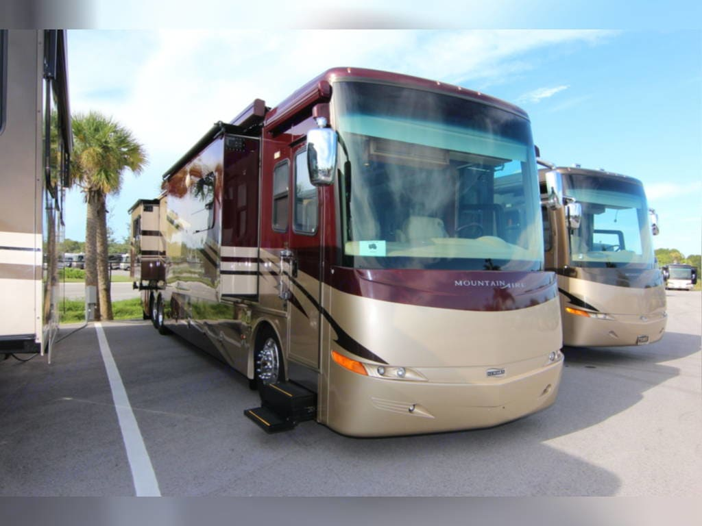 Newmar Mountain Aire 2008