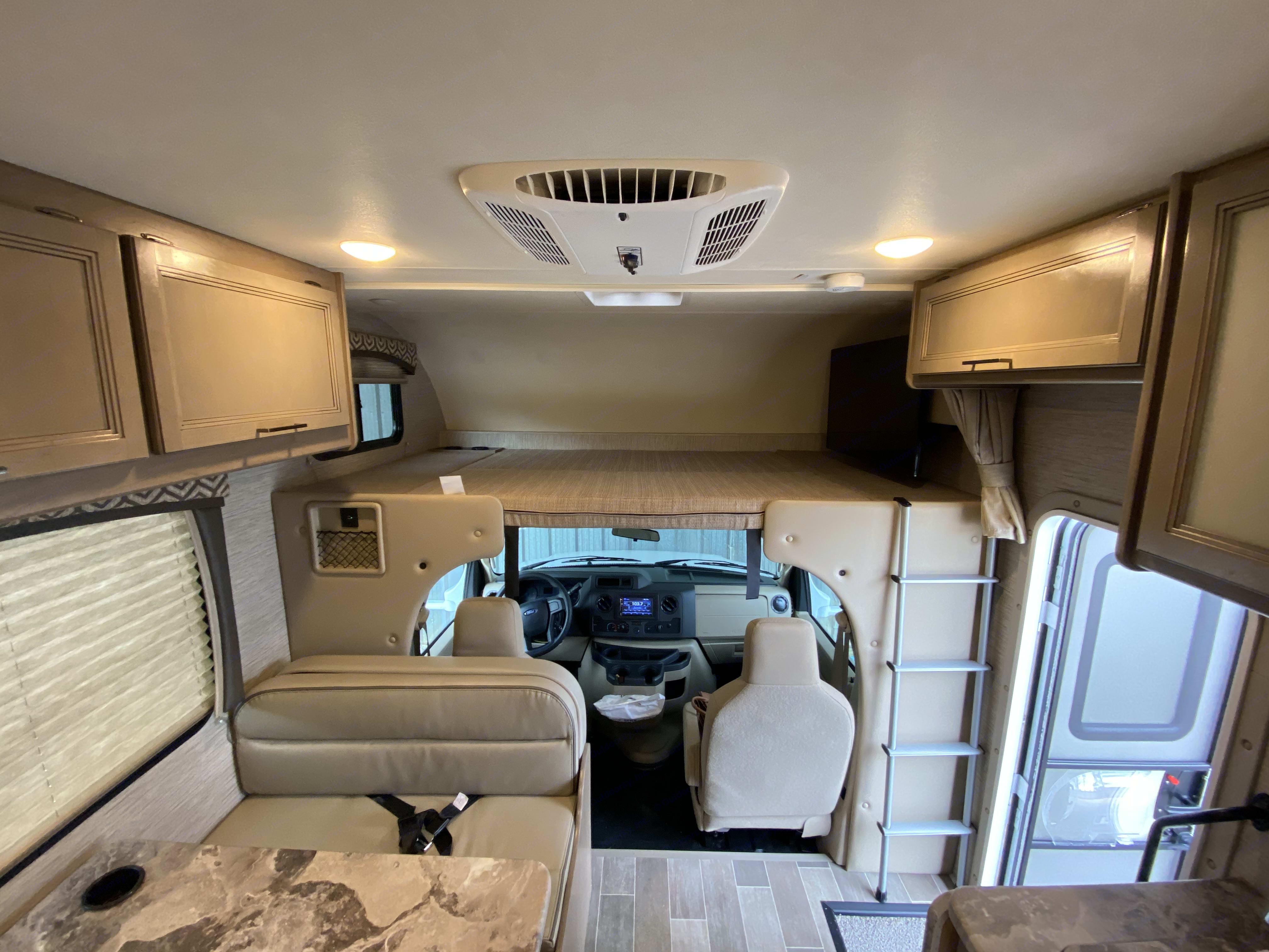 Thor Motor Coach Magnitude GA22 2021