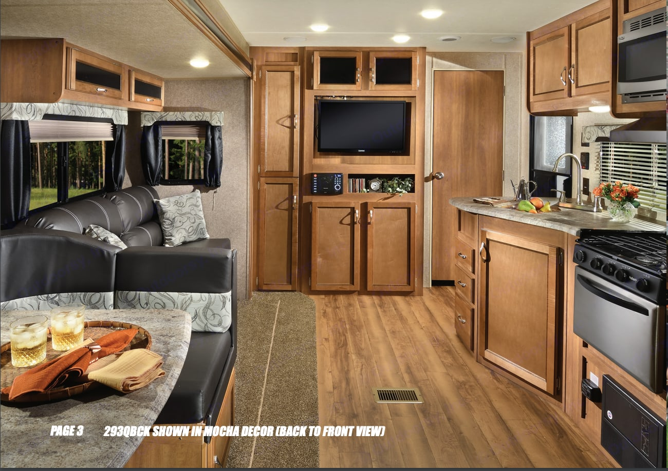 Main Slide out Living and Dining area. Coachmen Catalina 2017