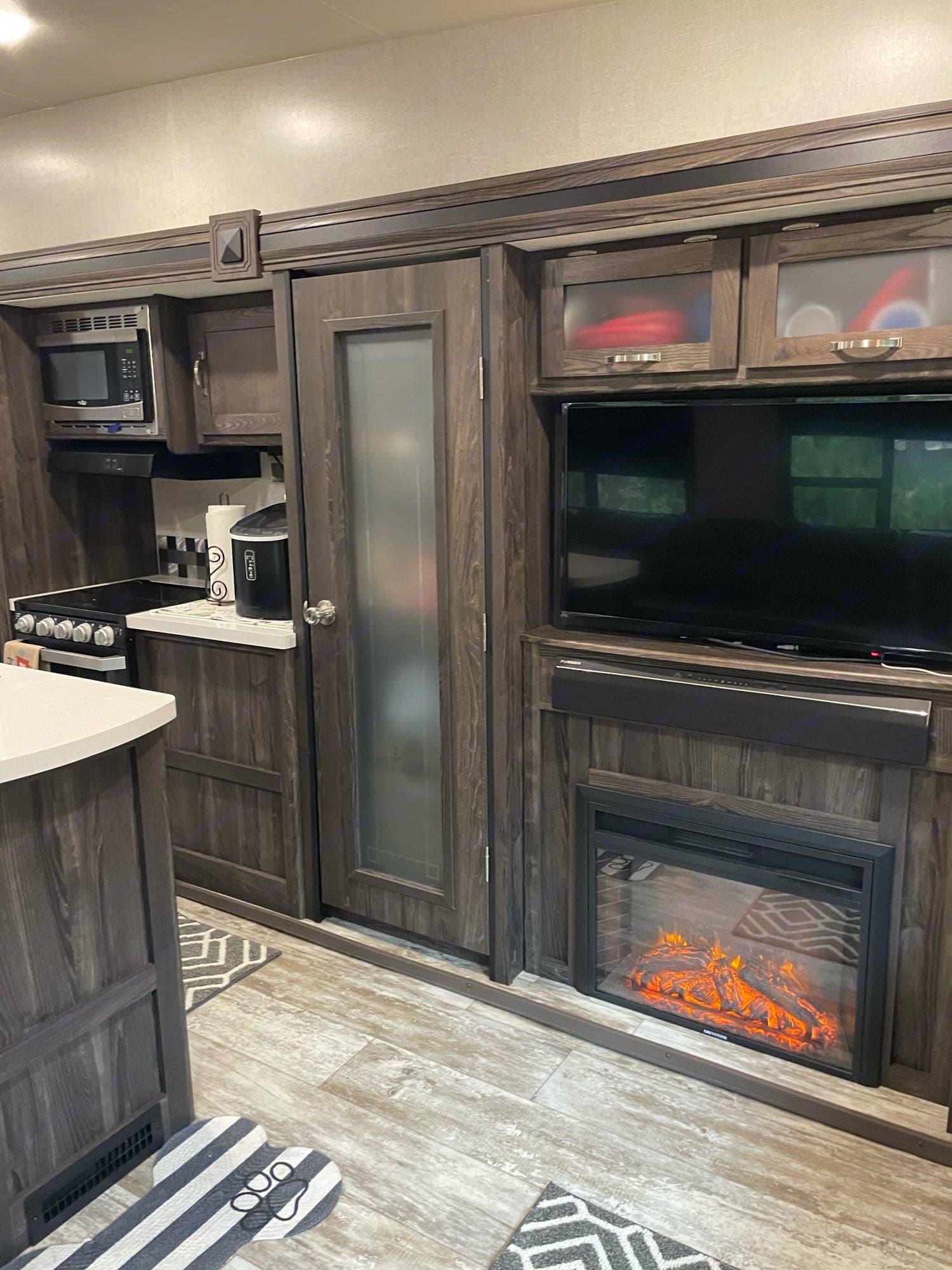 Kitchen. Open Range Light LF335MBH 2020