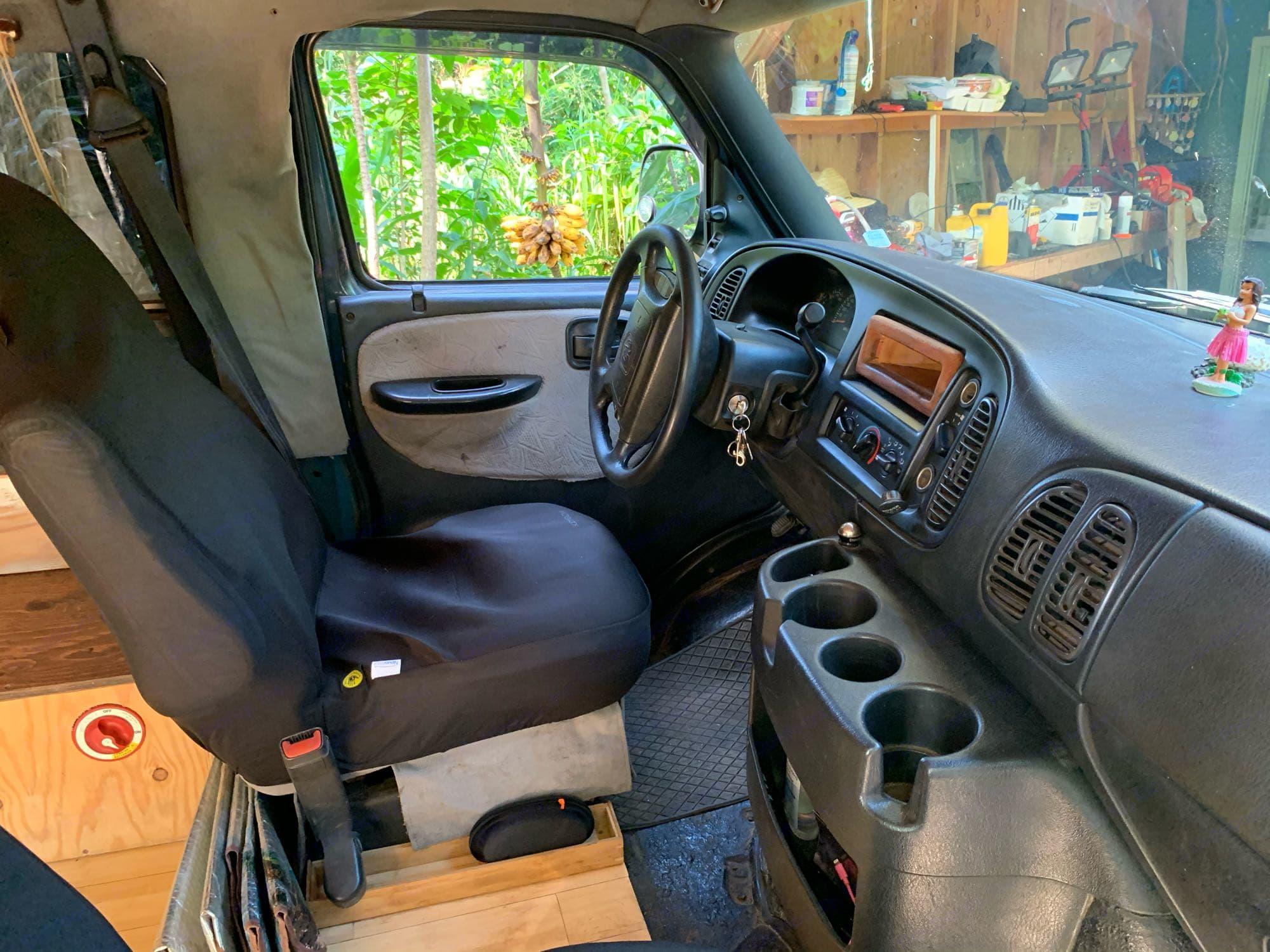Dodge B Van 2002