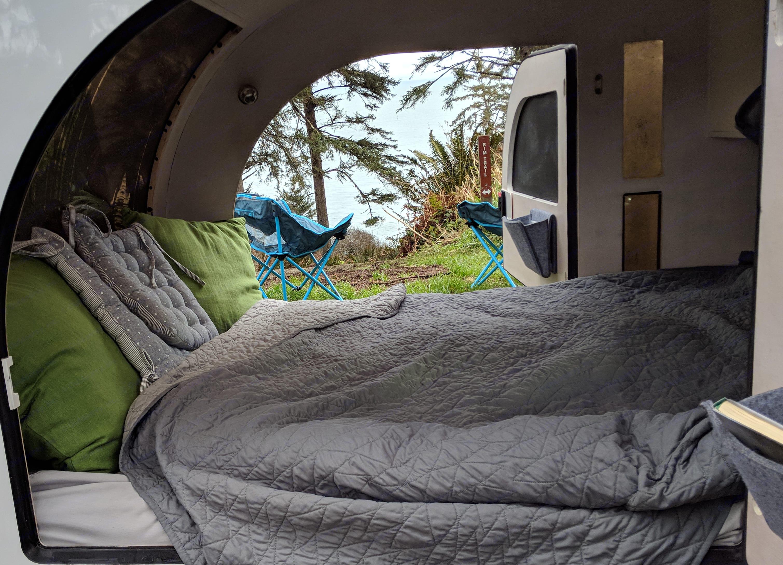 Queen size mattress for maximum comfort. DROPLET Trailer 58 2021