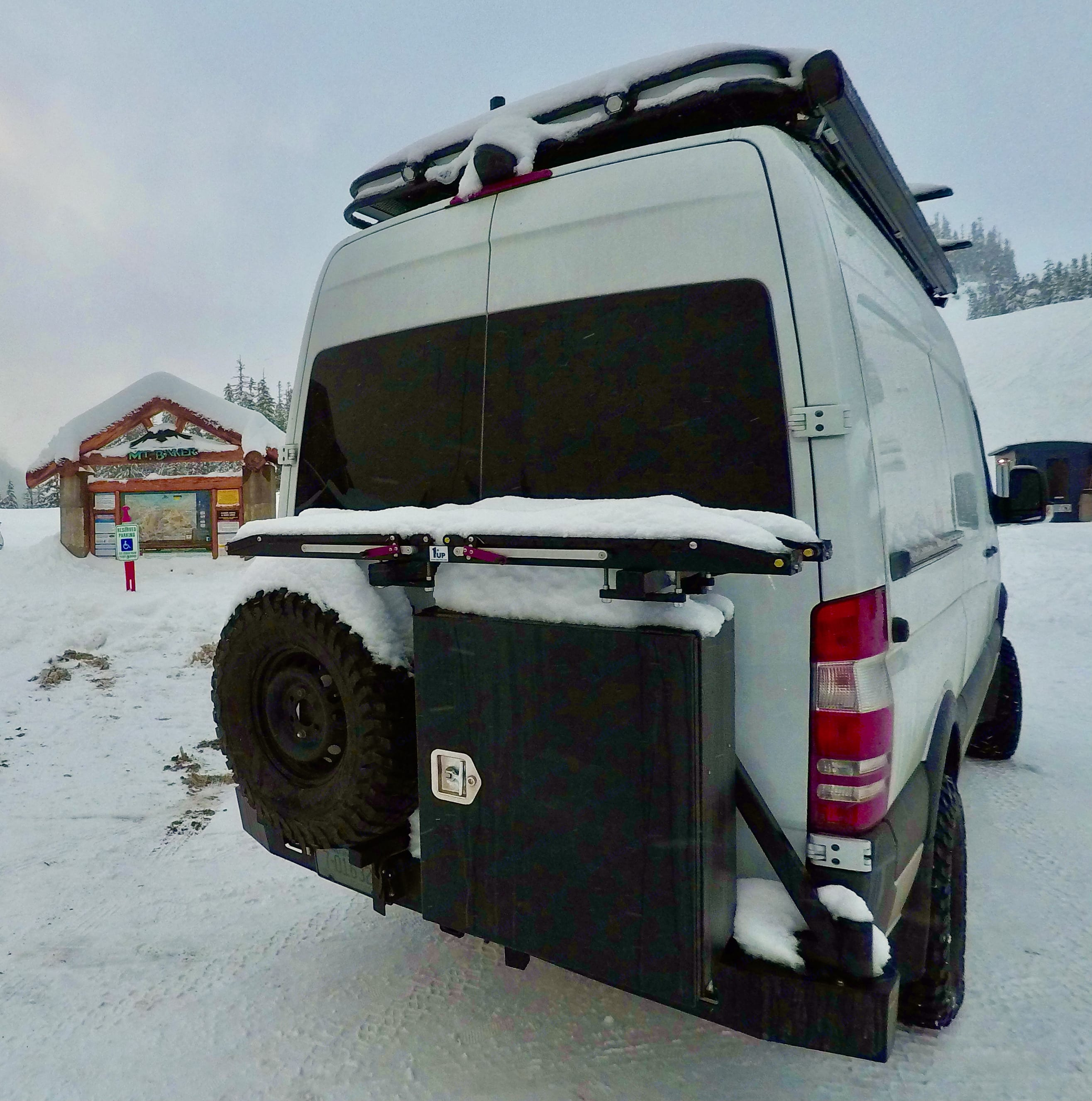The Off Grid Reset is comfortable all 4 seasons with Radiant Floor Heating. Proven to keep your toes warm even on -10 degree ski days. . Mercedes-Benz Sprinter 2018