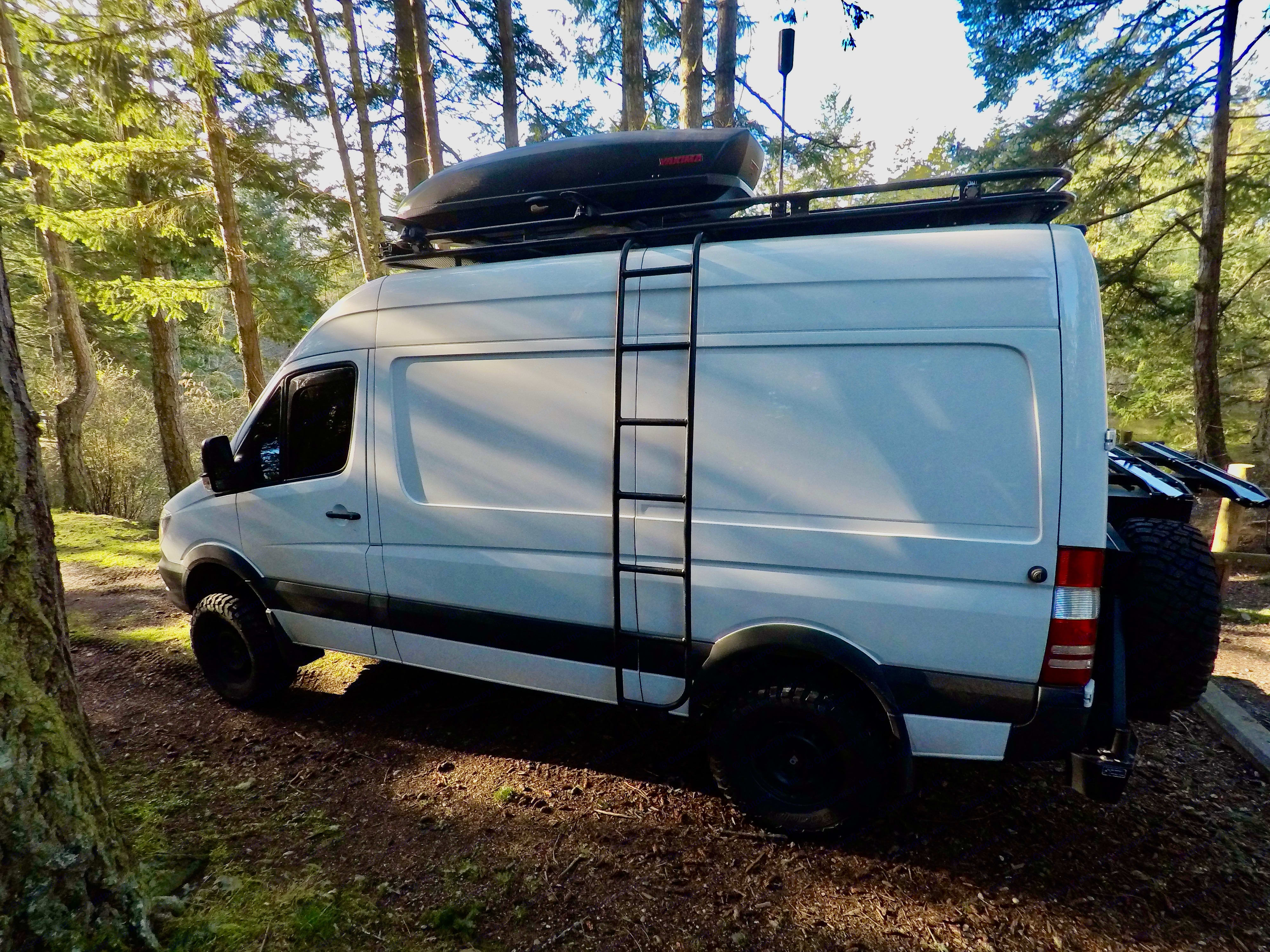 The ultimate in off-grid #vanlife . Mercedes-Benz Sprinter 2018