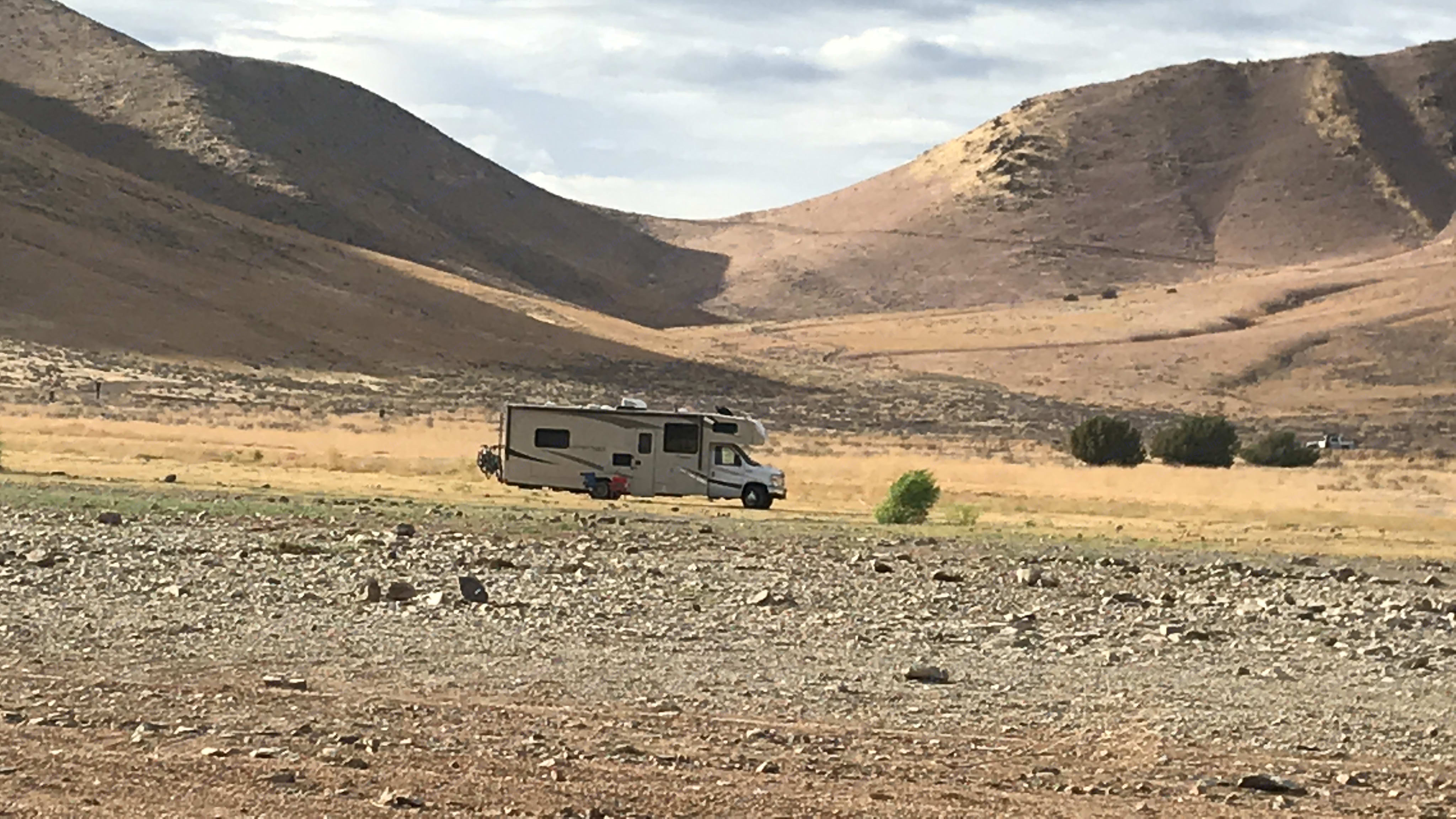 In the middle of no-where. Breathing nature with our cozy 2nd home.. Ford Coachman 2019