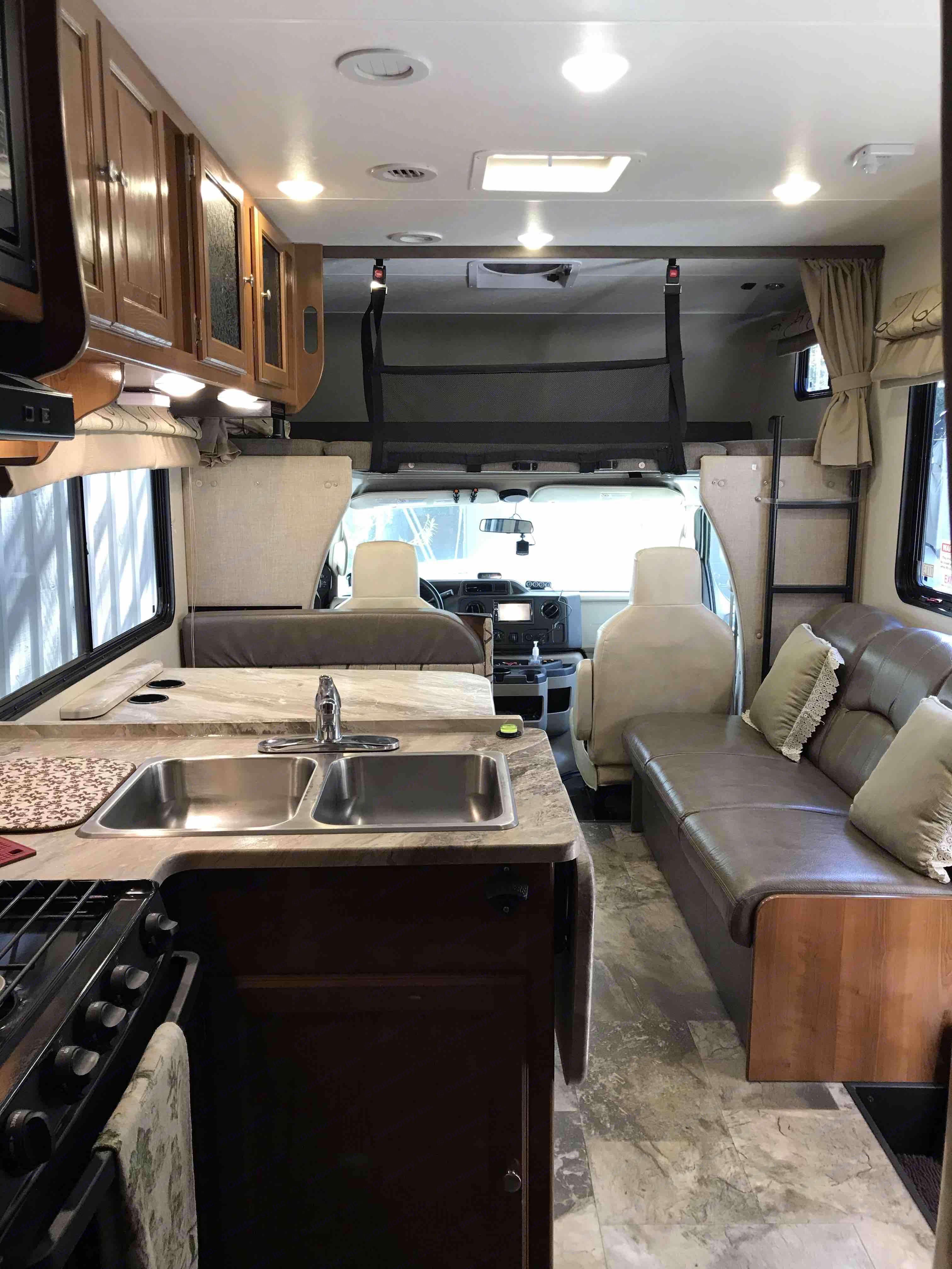 Ford Coachman 2019