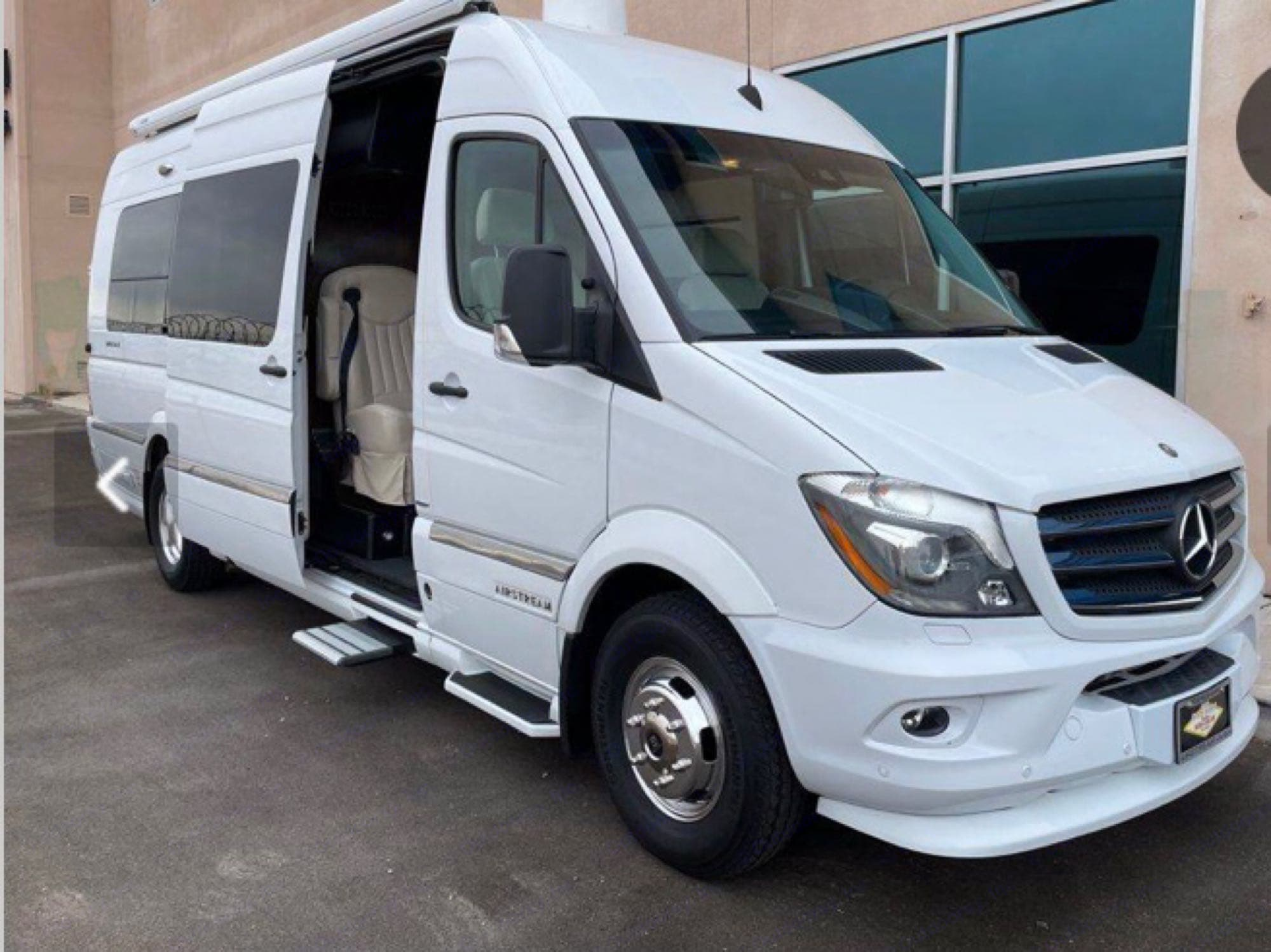 Airstream Interstate Lounce EXT 2016