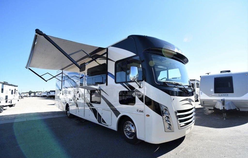 awning and outdoor tv. Thor Motor Coach A.C.E 2021