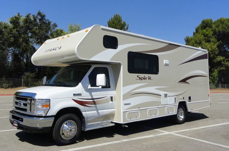 A house on wheels!!  Everything you need for a fun time on the road.  Easy to drive!. Itasca Spirit 2014