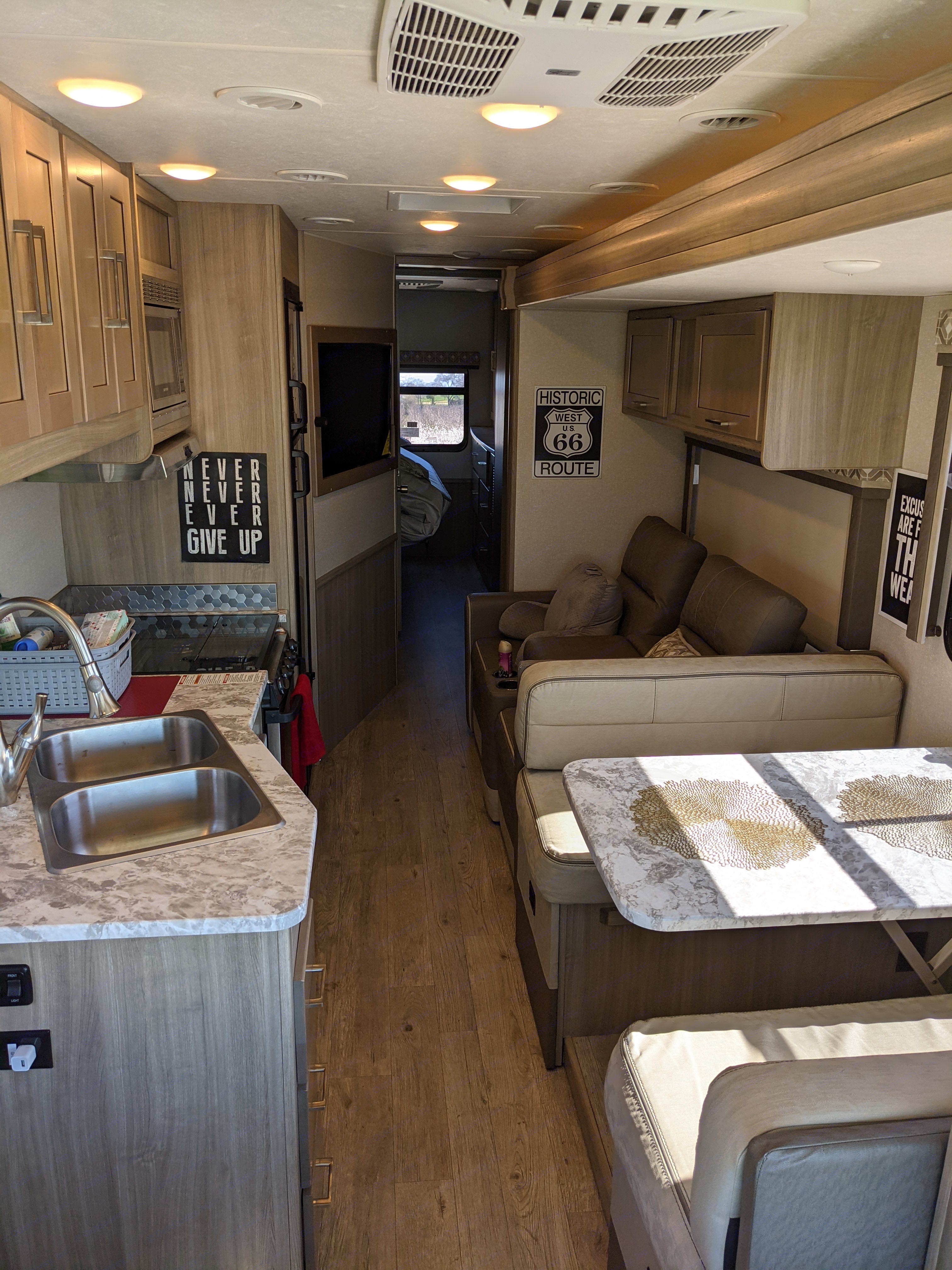 How you will travel in style and comfortably with the sides in and on the road. . Coachmen Pursuit 2020