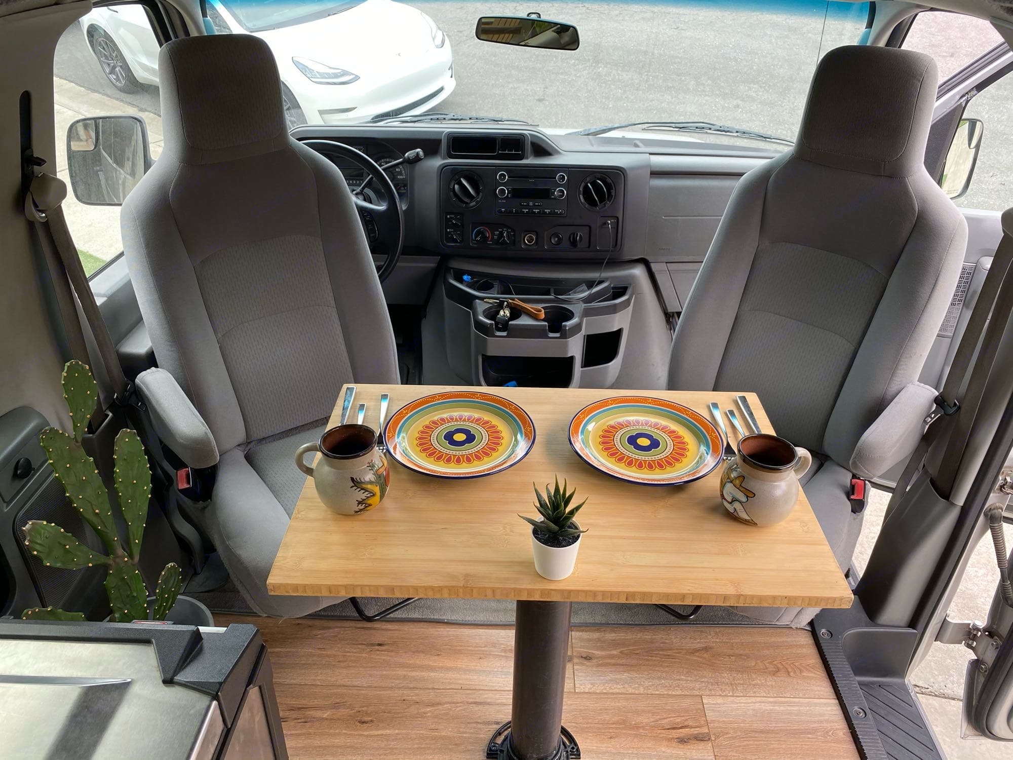 Ford Ford E350 2014