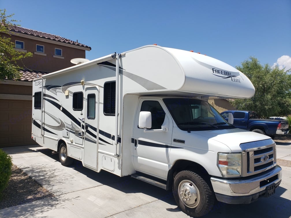May use awning. . Ford Ford F 450 2012