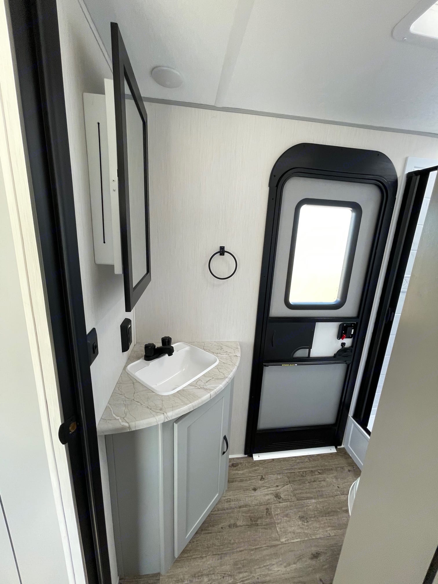 Bathroom. Forest River Vibe 2021