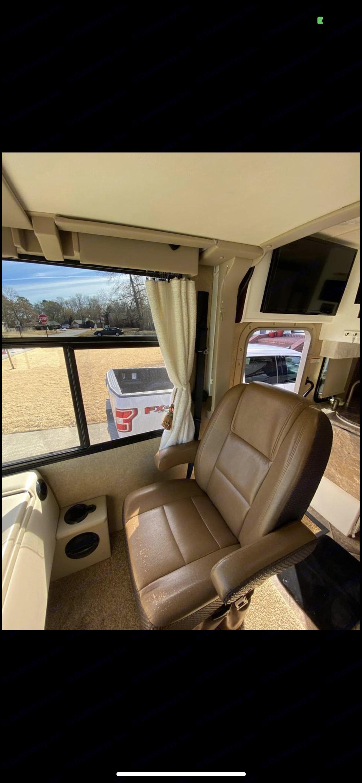 Thor Motor Coach Axis 2015