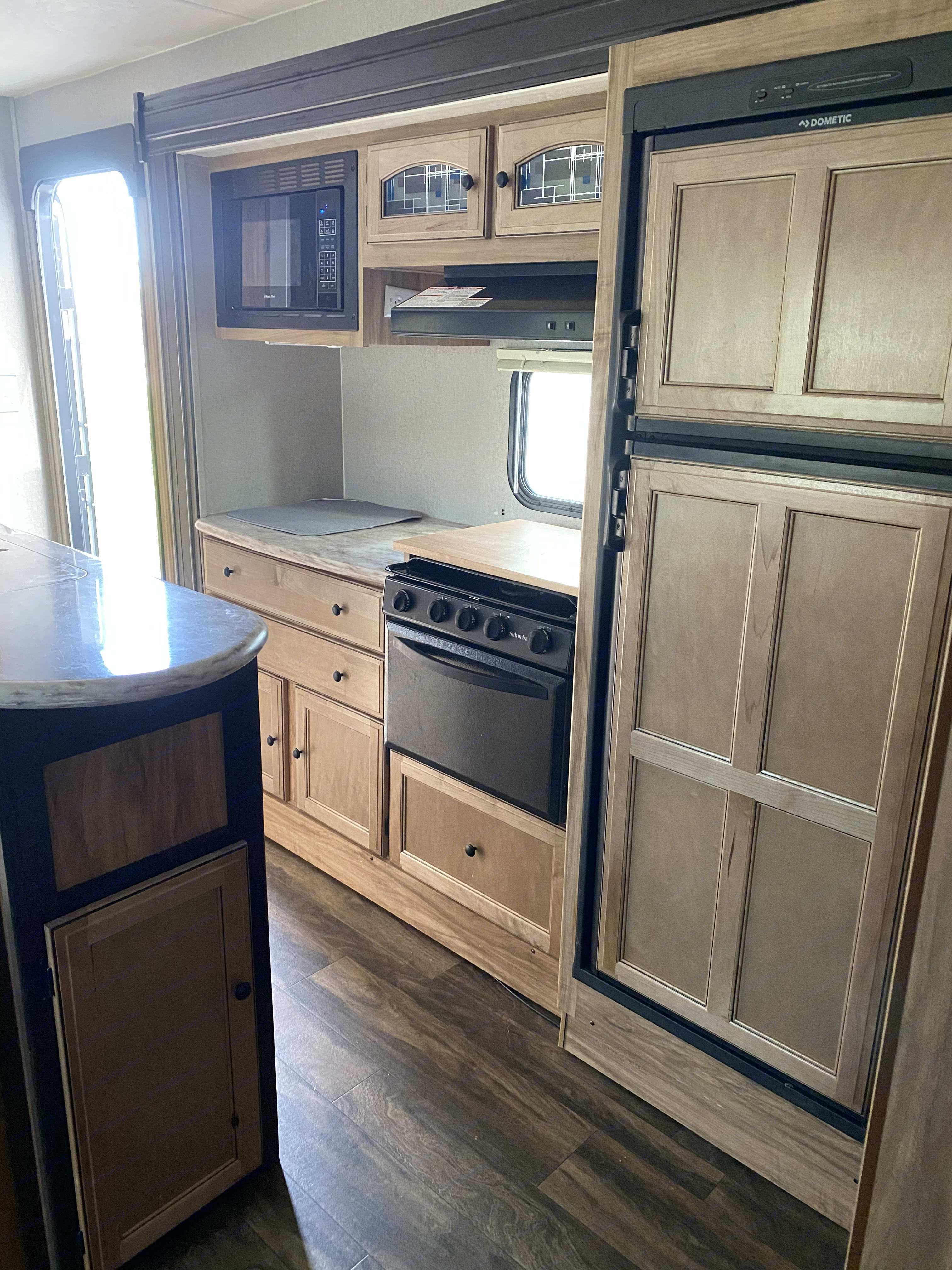 Gorgeous kitchen. Coachmen Freedom Express 2018