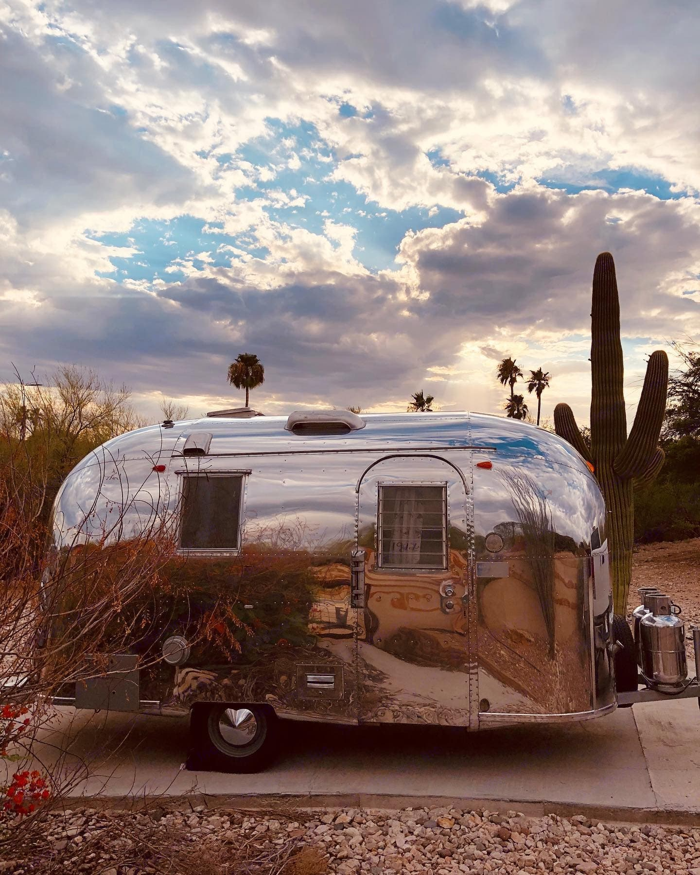 A Social & Co - 1965 Airstream Caravel. . Airstream Caravel 1965