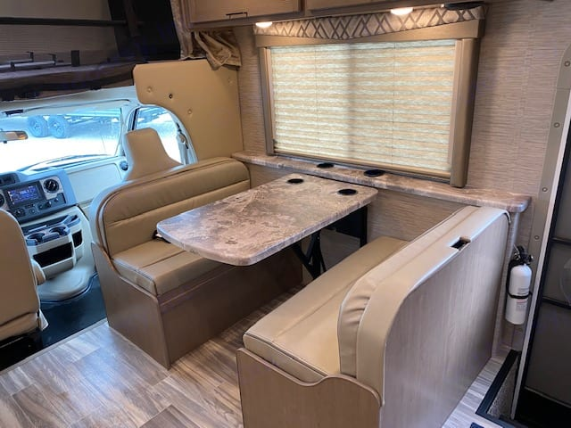 Thor Motor Coach Four Winds 2022