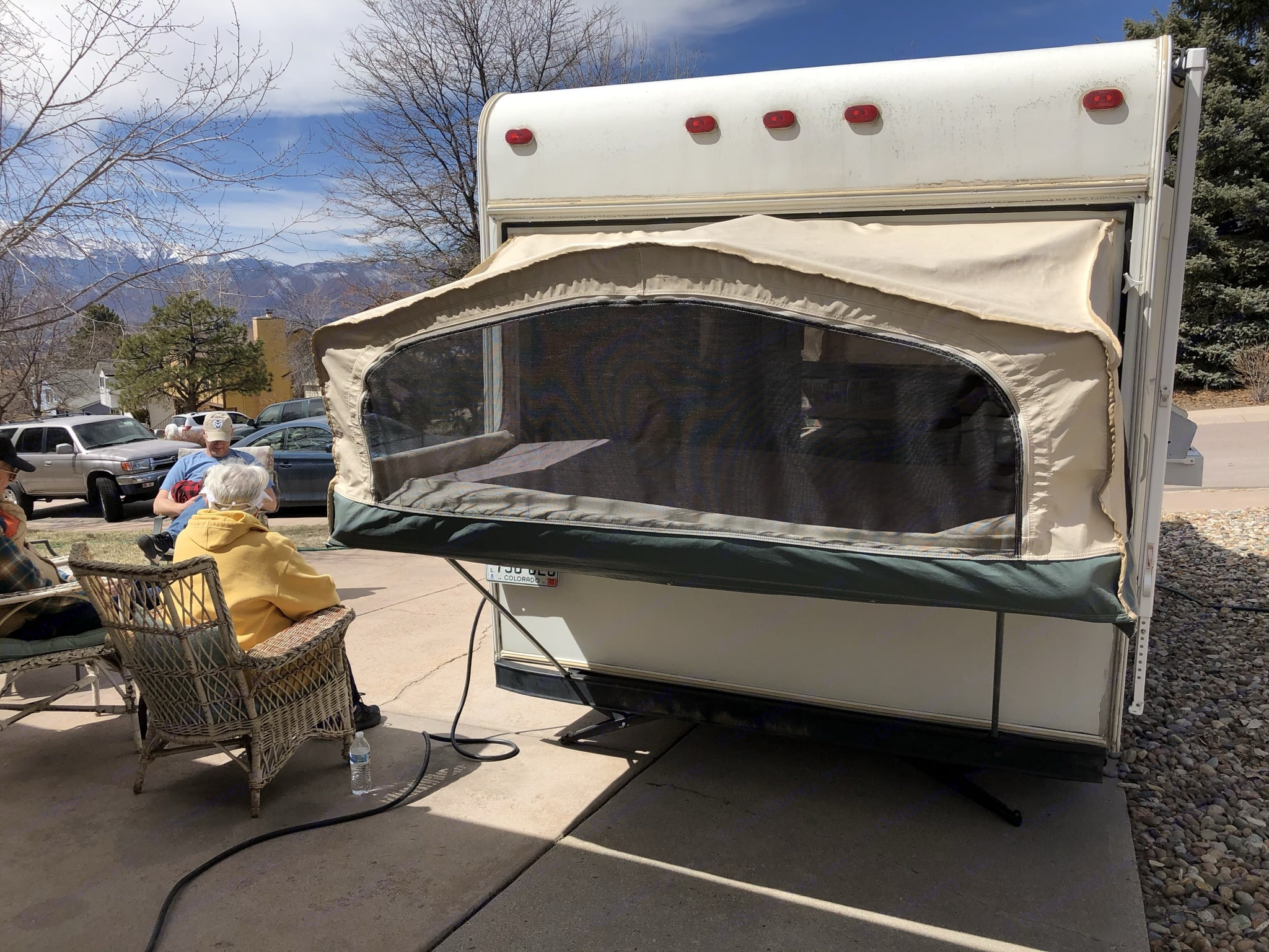 Zip-away canvas reveals screen ventilation on three sides of both fold out beds. Jayco Kiwi 2000