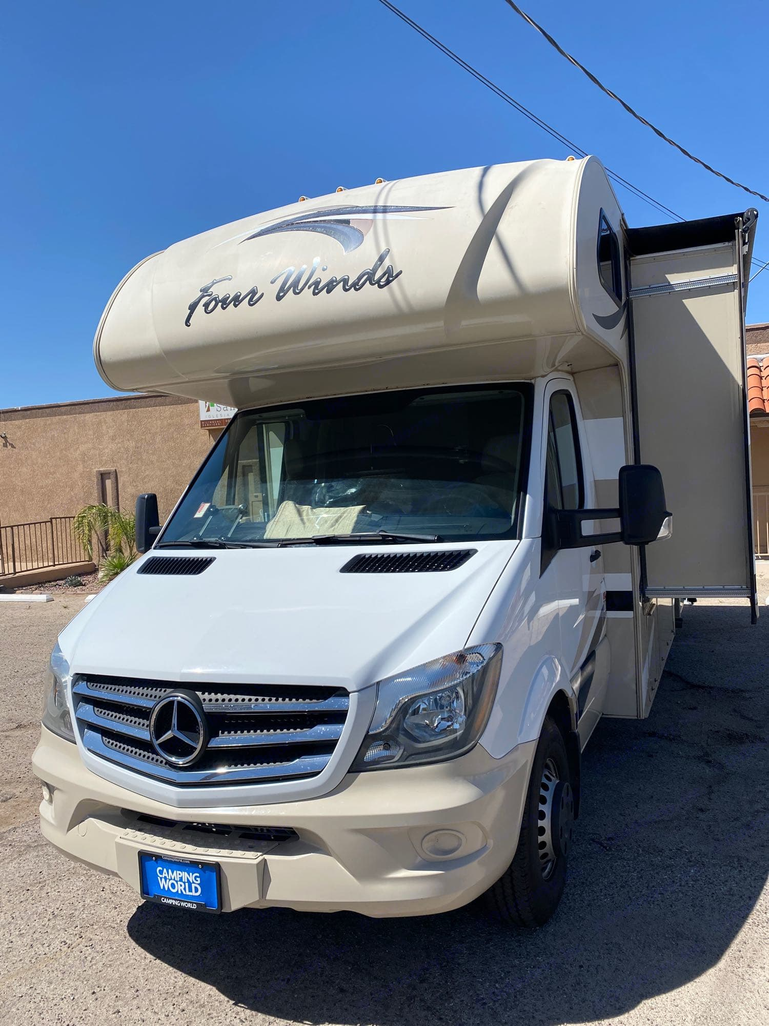 LED running lights/ Automatic transmission/ Mercedes. Thor Motor Coach Four Winds 24ws 2018