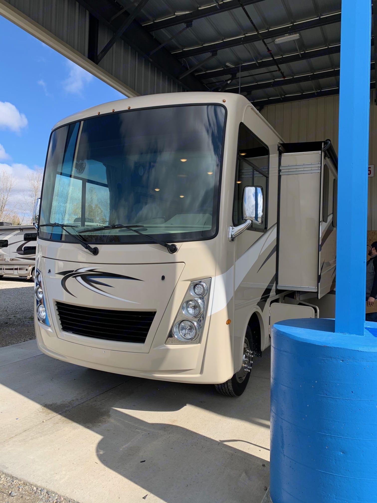 Thor Motor Coach Freedom Traveler A32 2021