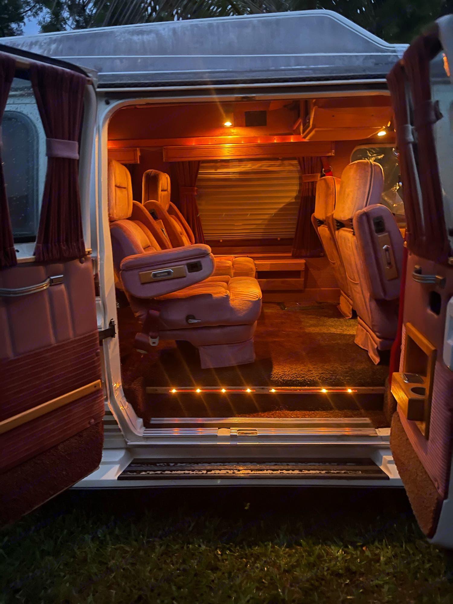 Ford Econoline 150 1990