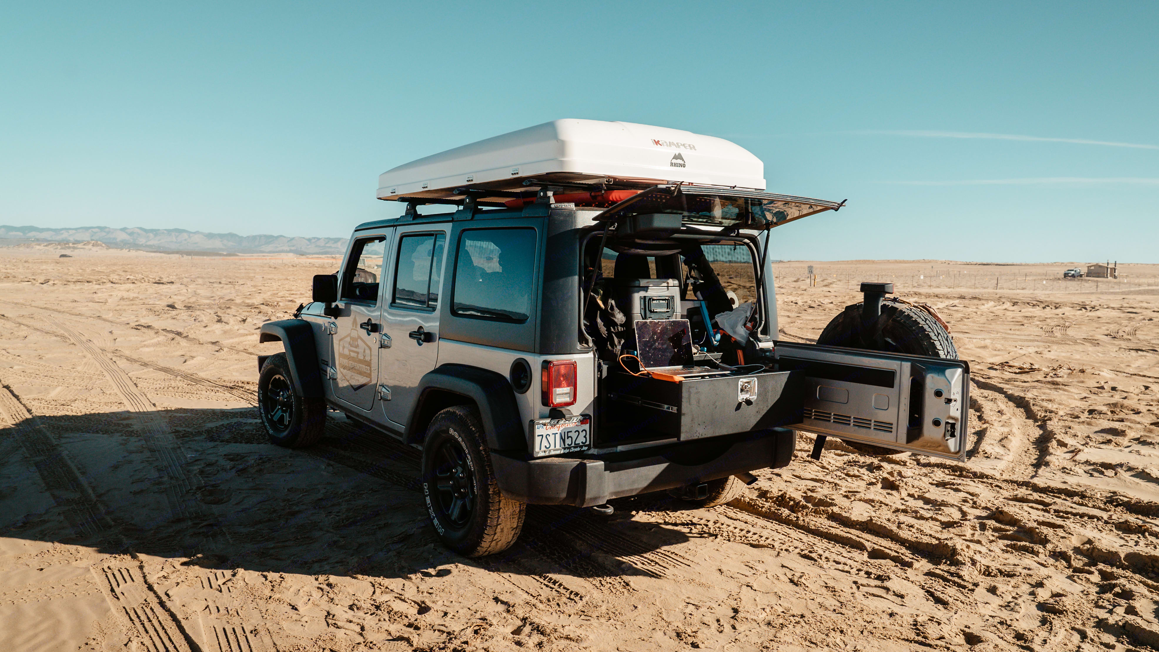 We have battery packs (110v and 12v) to power your equipment. Jeep Wrangler Unlimited 2016