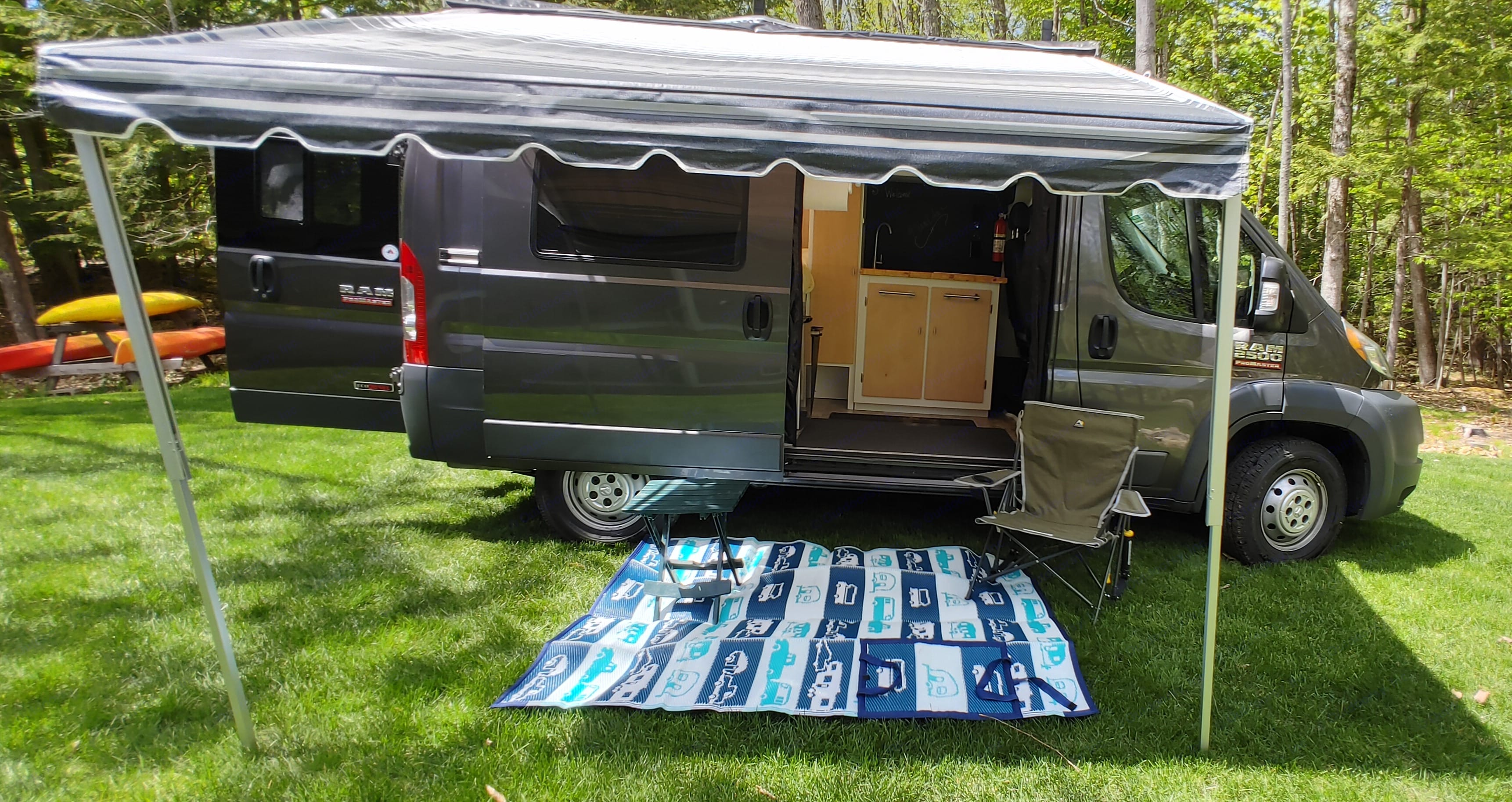 Have a seat & pour yourself a drink. Dodge Ram ProMaster 2500 2015