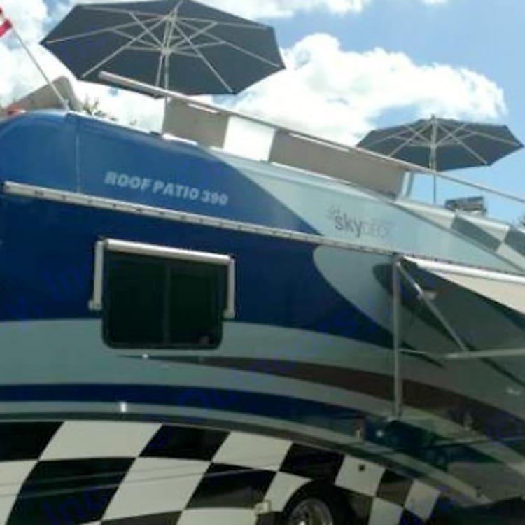Sky deck 390  Land Yacht