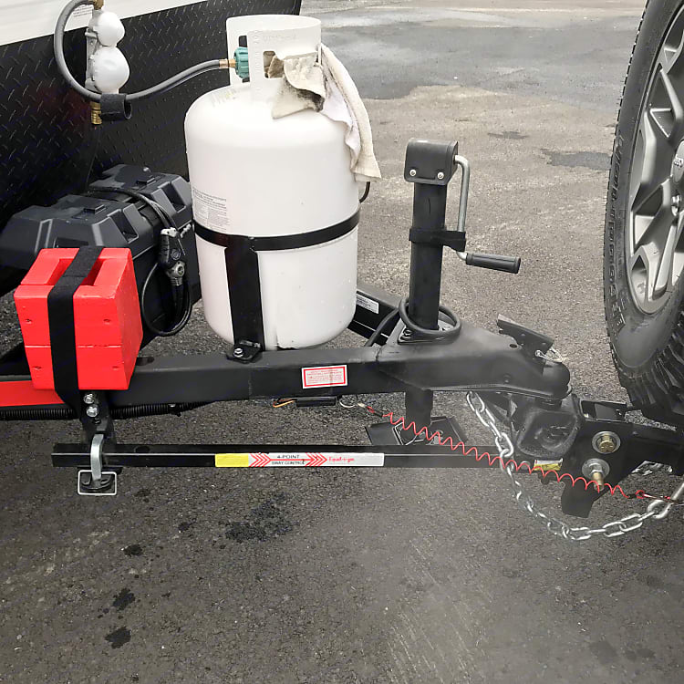 Equal-i-zer hitch  Only 2600lbs! Tow with almost any SUV (brake controller required - not included)