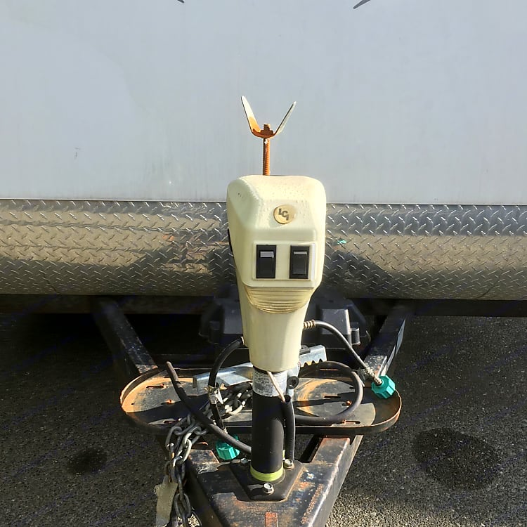 Electric hook up for trailer