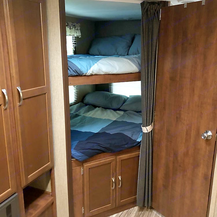 Bunk beds (double) with individual light, electric outlet and windows