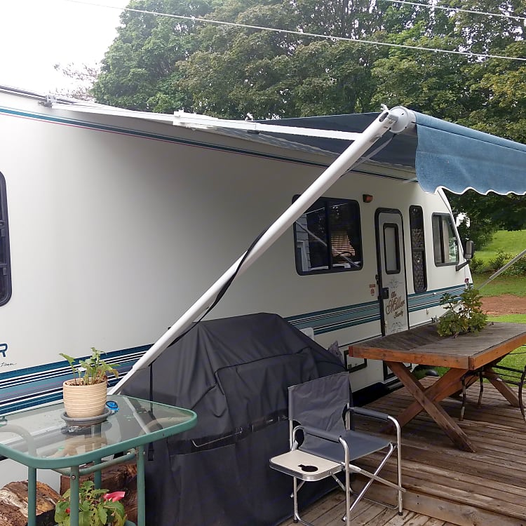 Great 20' long awning great for sitting out or BBQ