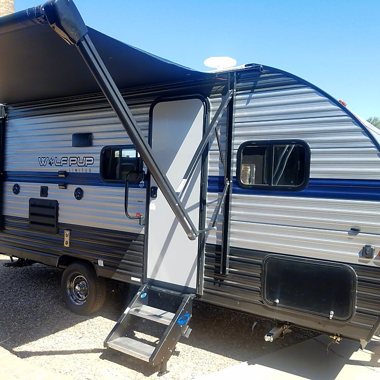 16' living space with 10' electric awning