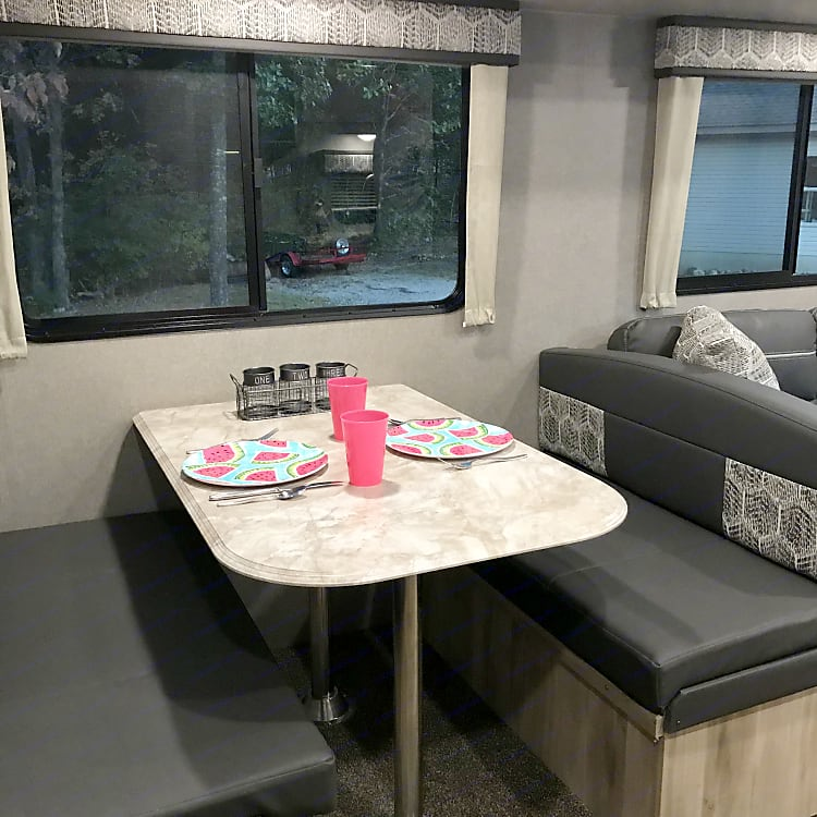 Booth Dinette