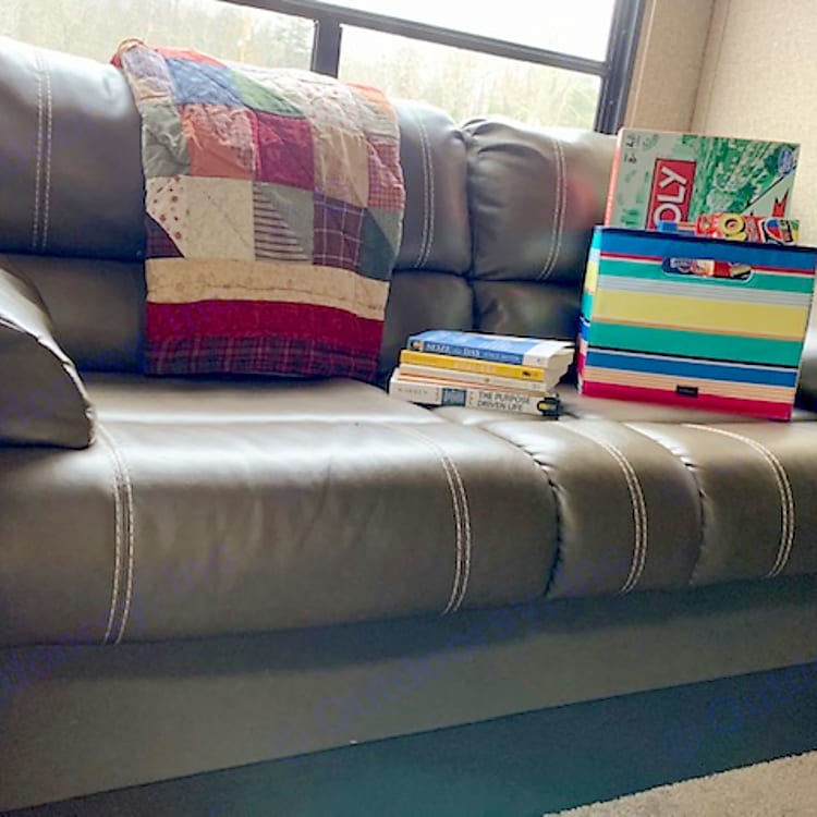 Sofa converts to bed (best for children)
