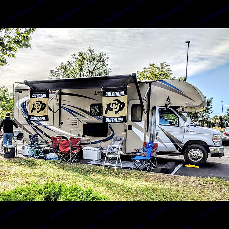 Can't beat a good tailgate!