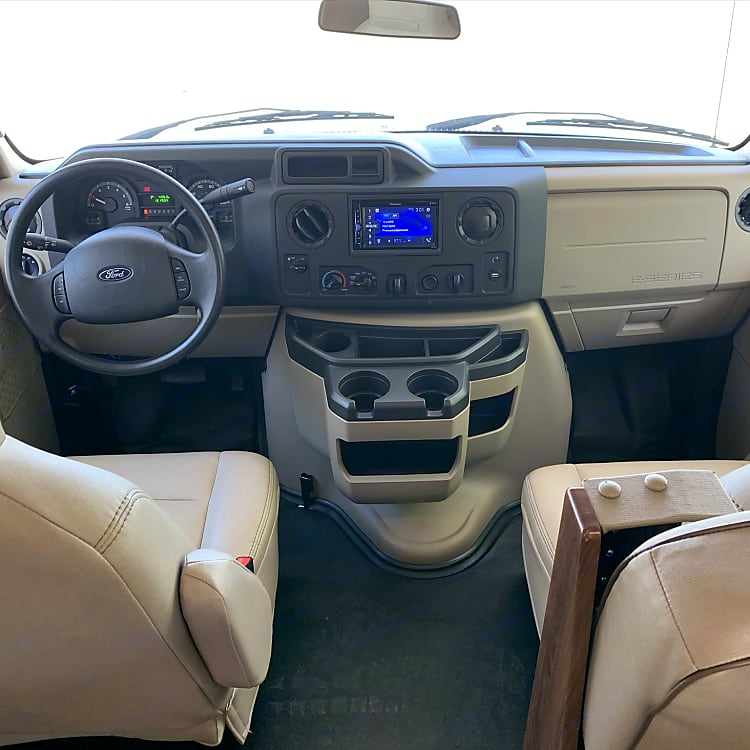 Comfortable driver's and passenger's seats