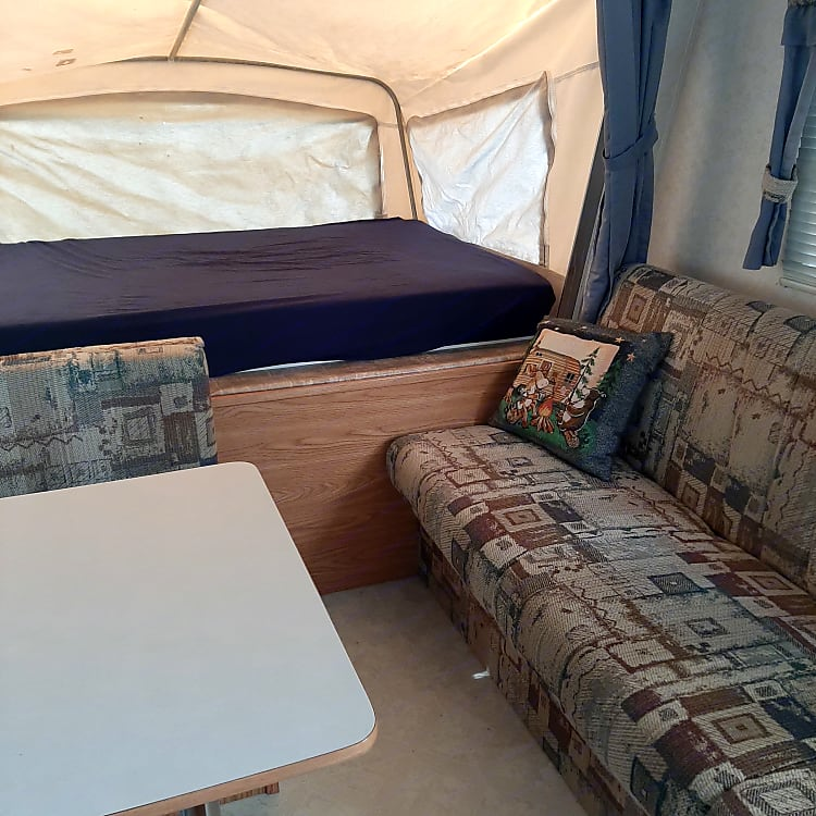 Full sized wing bed