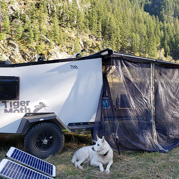 Runs off-grid for about a week, and you can supplement your usage with our solar panels.