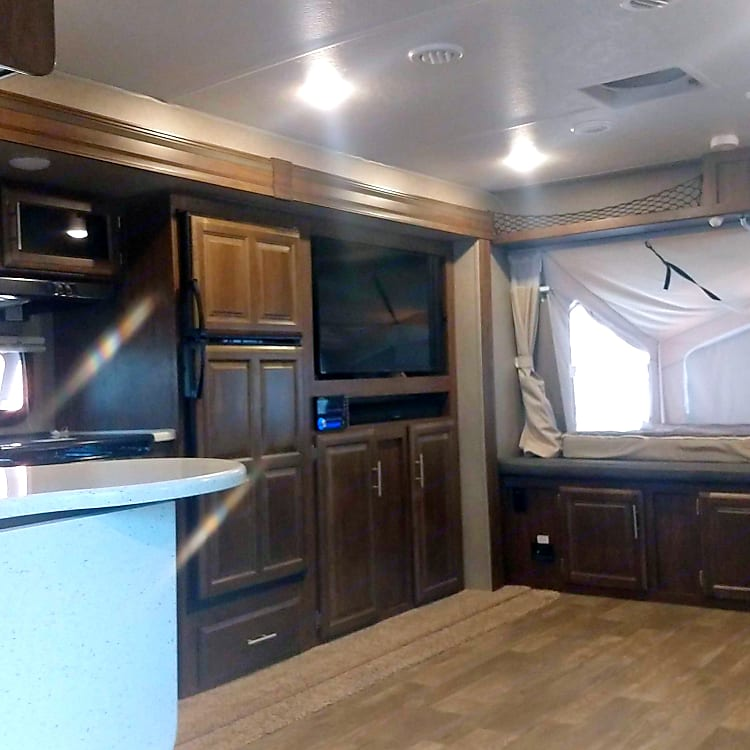 Spacious interior, room for addition bedding if want to add up to 10 people.