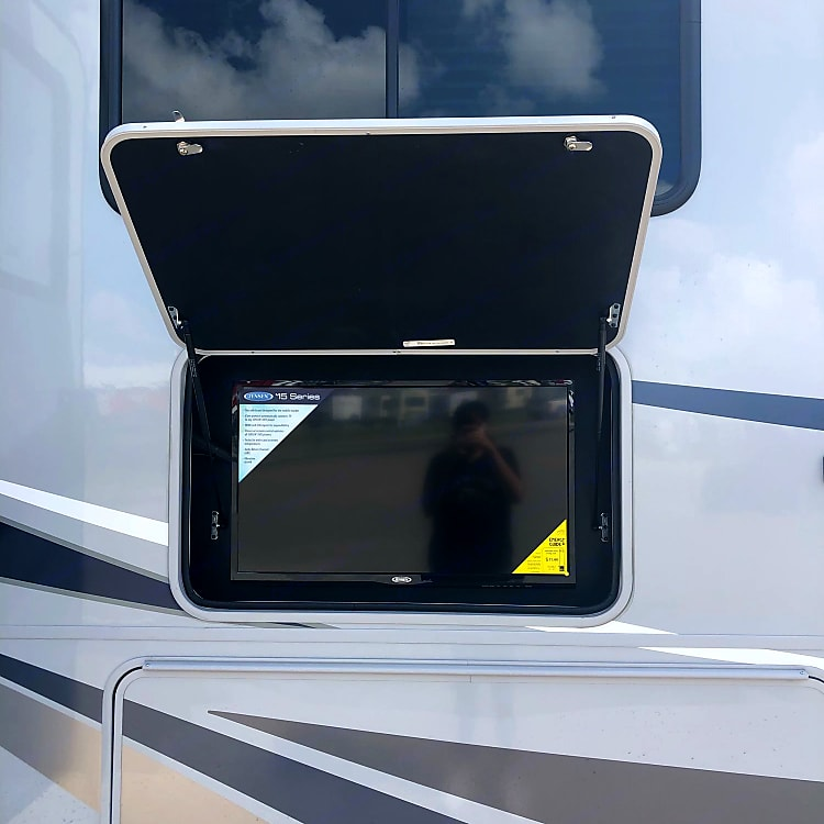 exterior TV, connects to local channels
