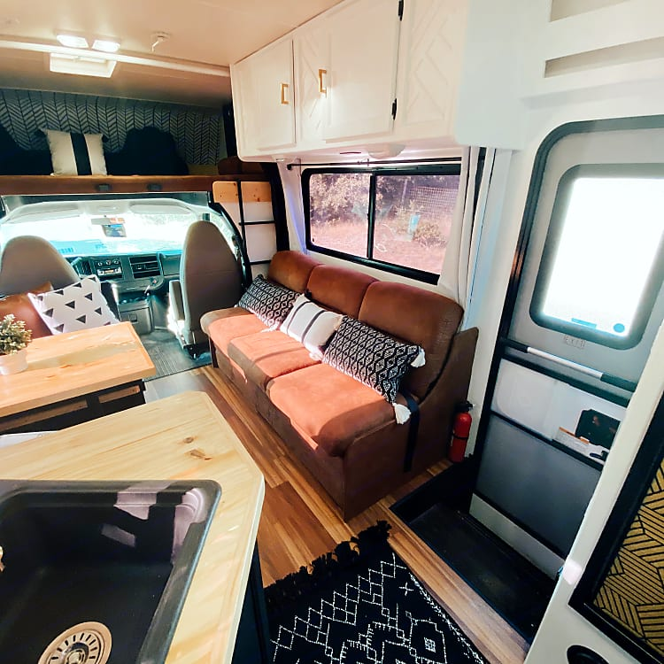 Sleeps 8 comfortably with seatbelts for 9