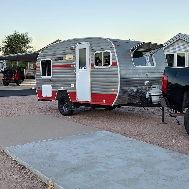 Retro style in a modern trailer