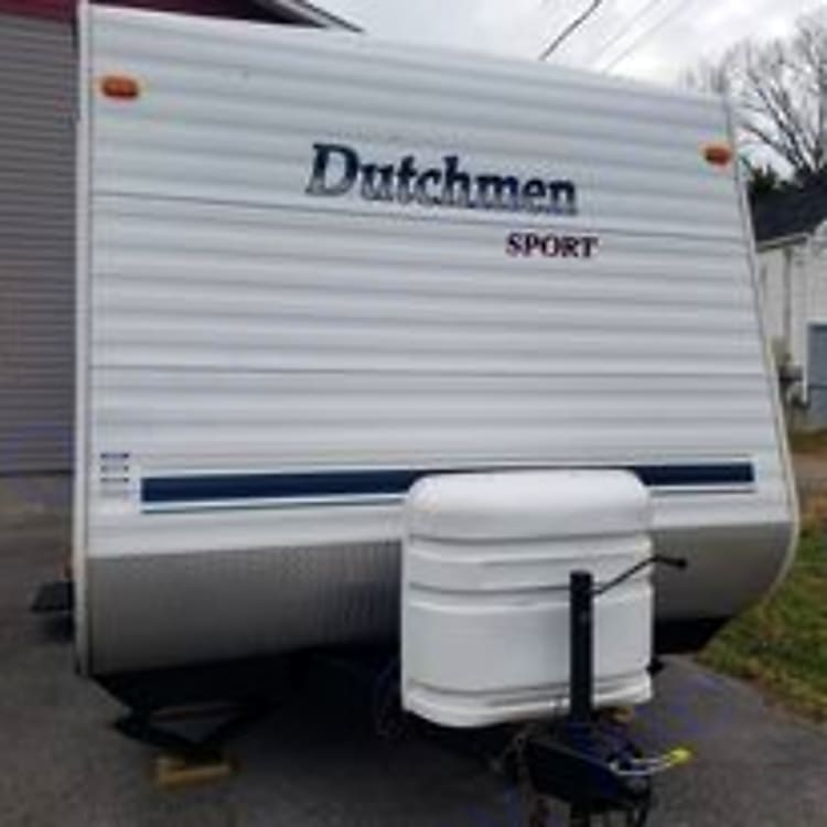 Front side with dual propane tanks.  Lite weight carry.  Can easily be pulled with 1/2 ton pickup truck.