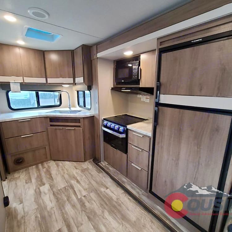 Great kitchen to fix all your meals like you would at home. 8 cu ft fridge allows you to bring the food you want