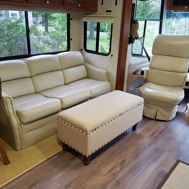 Ottoman with storage and foot rest, Pull out sofa