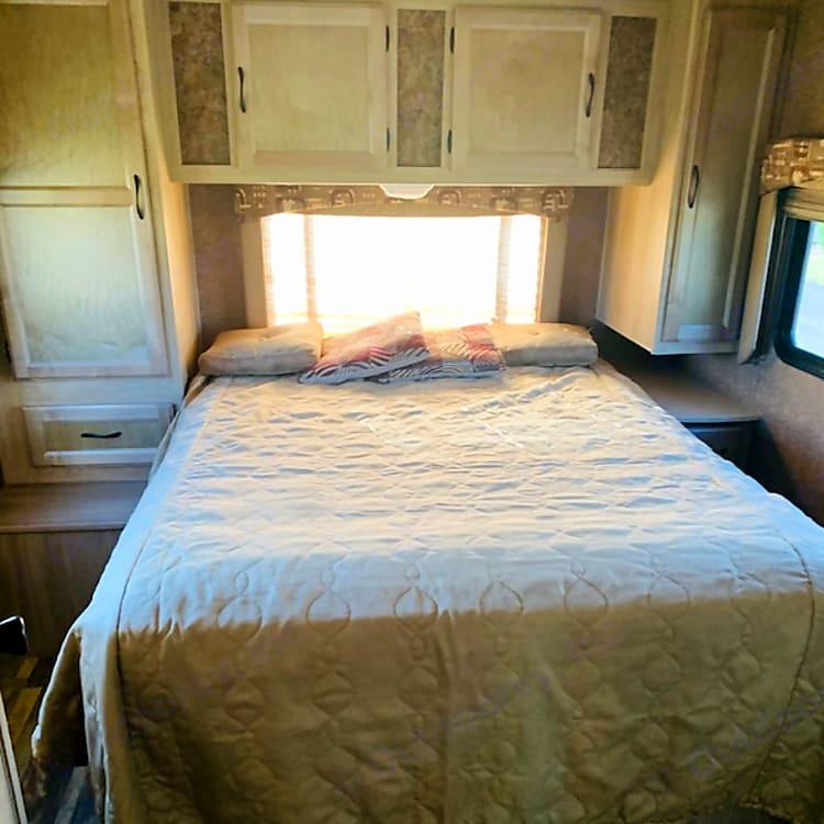 Queen bed in Master Bedroom!
