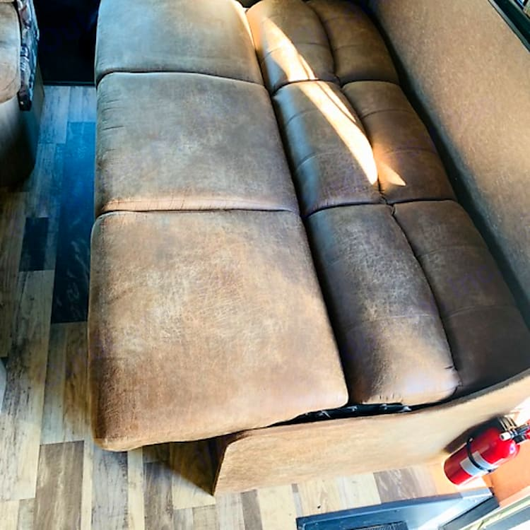 Fold out Couch!